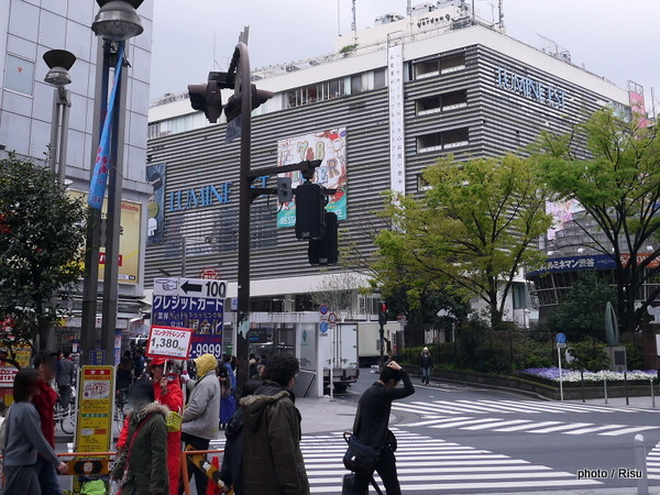 新宿TOHO ゴジラまでの道のり Road to Shinjuku TOHO BILD.& Godzilla